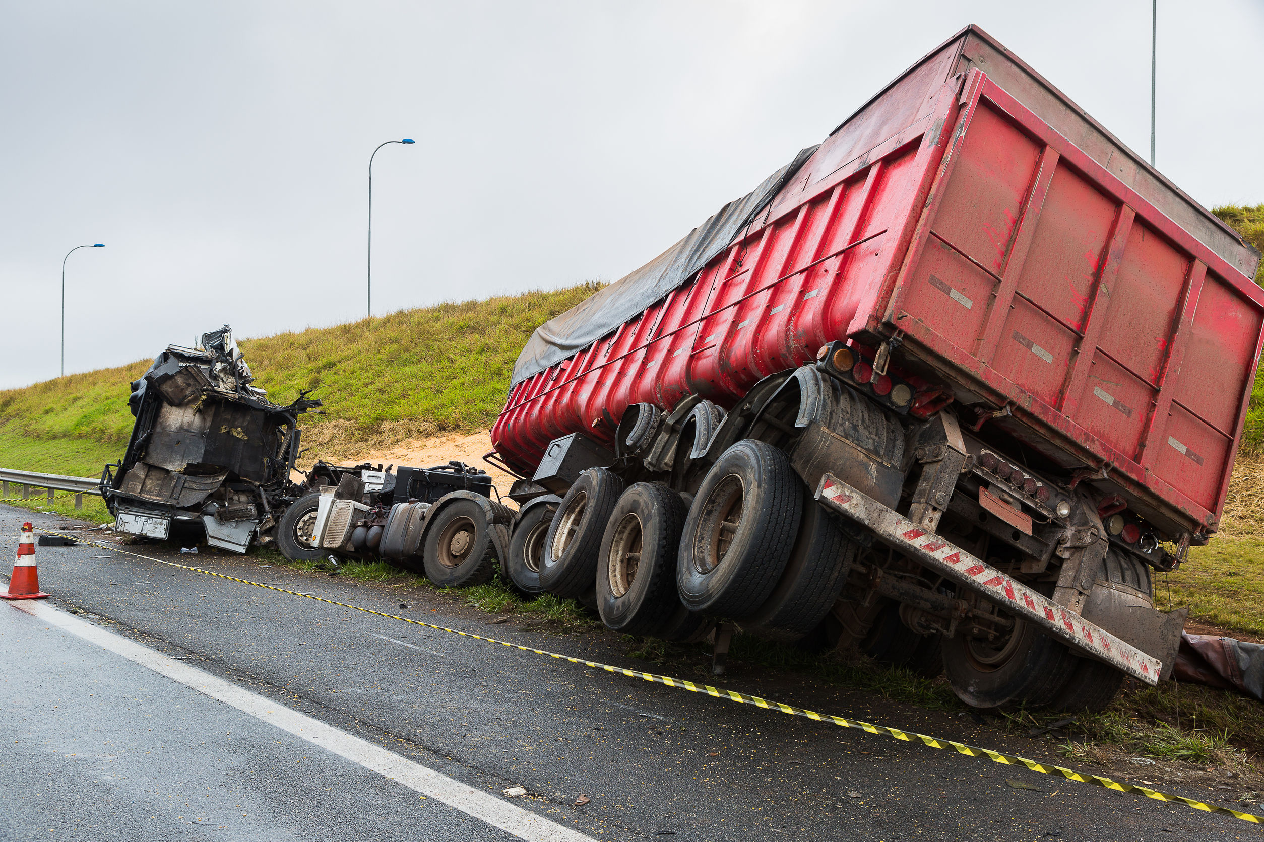 Houston Truck Accident Lawyer | Thurlowlaw & Associates